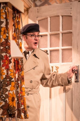 2. Joe Pasquale as Frank Spencer in Some Mothers Do 'Av 'Em, credit Scott Rylander.jpg