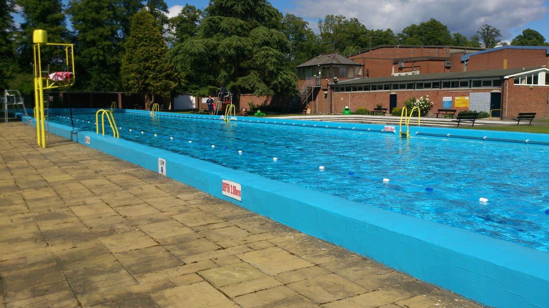 Northcroft lido newburymummydotcom - Buxton swimming pool opening times ...